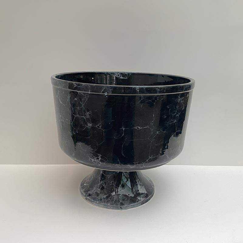 Siyah Ayaklı Seramik Vazo